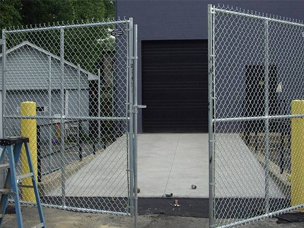 Chain Link Fence Gate For Sites Of Temporary Chain Link